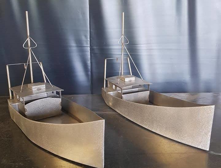 Creation presentoir alimentaire en forme de bateau